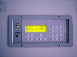 """Отображение текущей информации на дисплее поста контроля напряжения электрической сети """"Крона-515"""""""
