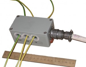 Фотография блока датчиков тока